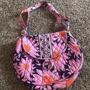 Vera Bradley purse with magnetic closure